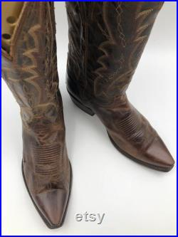Brown men's boots real leather vintage boots embroidered with unique print western style cowboy boots country style retro has size 10 1 2D.