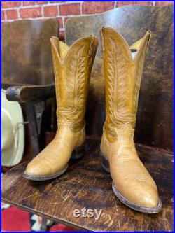 Tony Lama cowboy western ranch stitching two tone brown leather boots size 9 EE made in Usa.