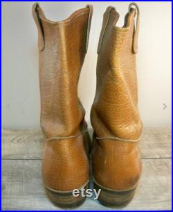 Vintage Chippewa Leather Cowboy Men's Western Pull On Riding Soft Toe Boots.l Made in USA Size 9 Wide