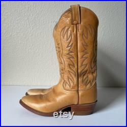 Vintage Justin Cowboy Boots Blonde Brown Leather, Size 6.5D, Needle Toe Cowboy Boots, Rockabilly Boots, Style 2233, Walking Heel Boots