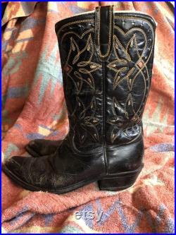 Vintage mens size 7D black leather cowboy boots, western boots, square toe, rockabilly line dancing